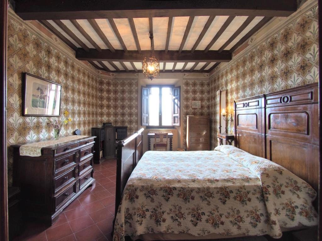 Letto A Castello Twins.Condo Hotel Castello Di Montalto Castelnuovo Berardenga Italy
