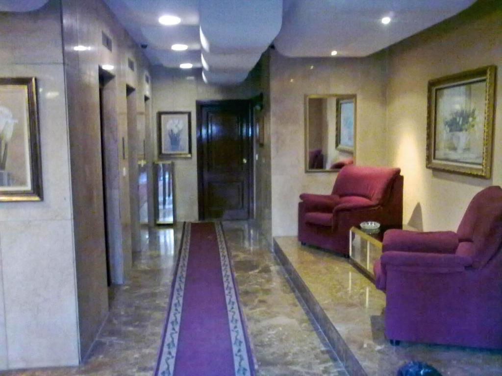 The lobby or reception area at Apartamentos Ray