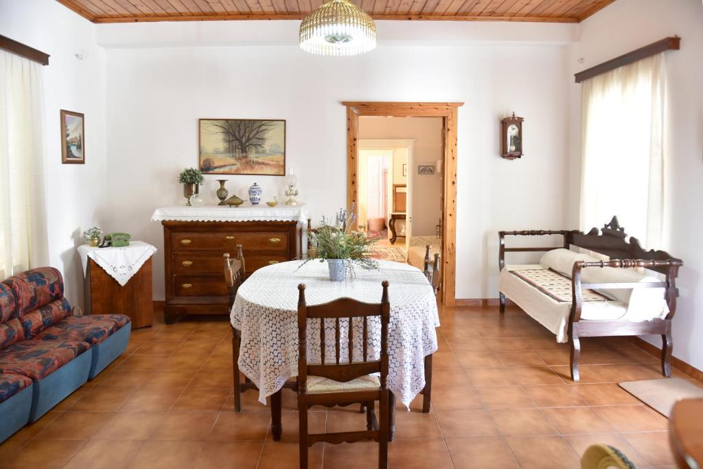 guest house interior design.  Amaryllis Guest House 2018