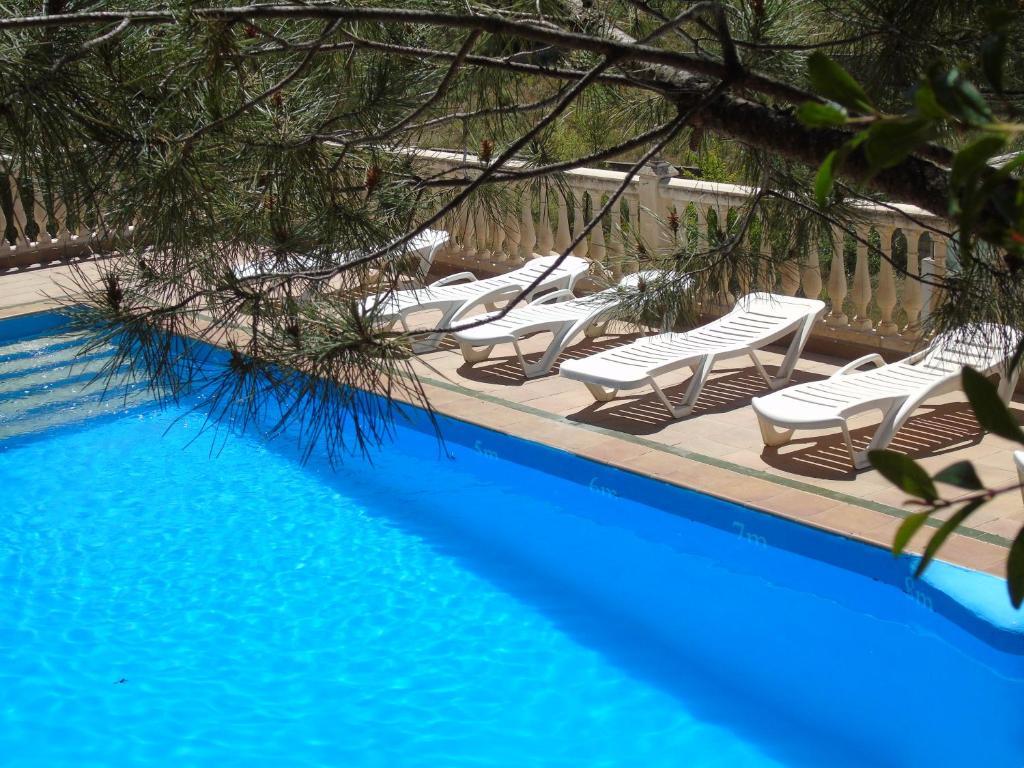 Apartamentos Turísticos Cumbres Verdes, La Zubia – Precios ...