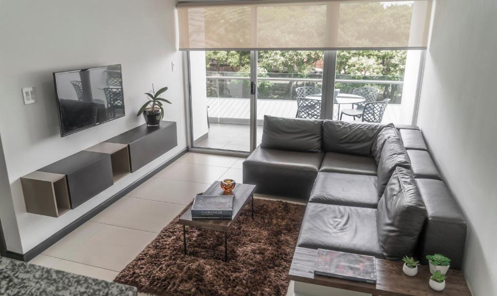 Comfortable 2 Bedroom Modern Apartment San Jose Costa Rica