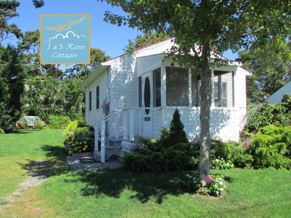 J & S Reeve Cottages, Aquebogue, NY - Booking.com