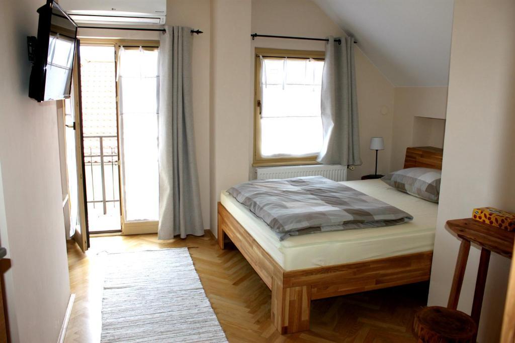 Postelja oz. postelje v sobi nastanitve Bed & Breakfast Dvorec