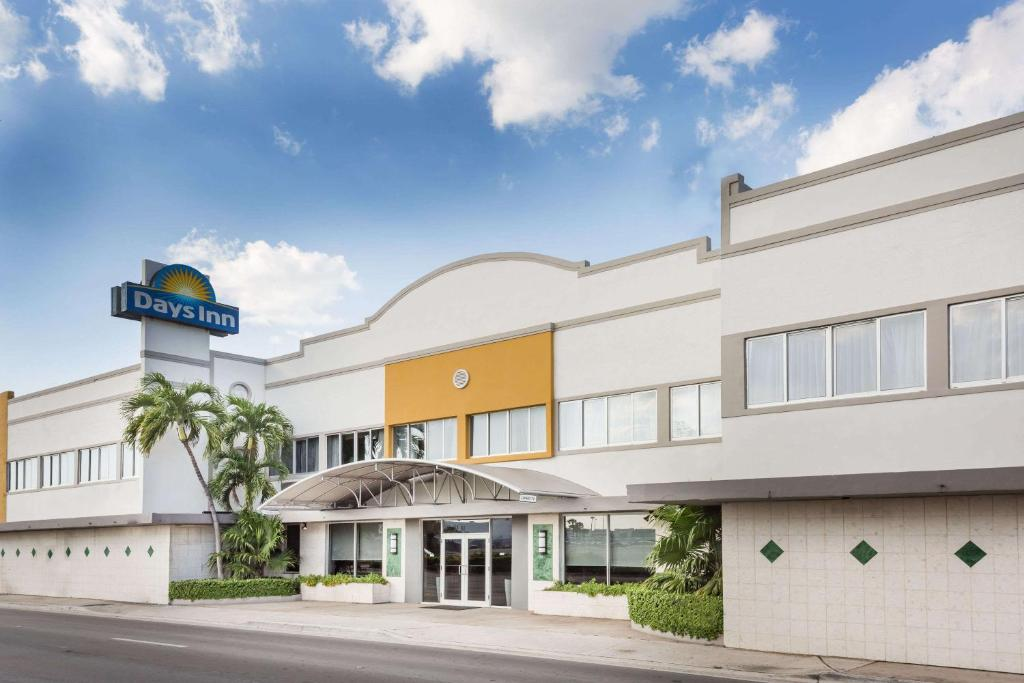 The Days Inn by Wyndham Miami Airport North.