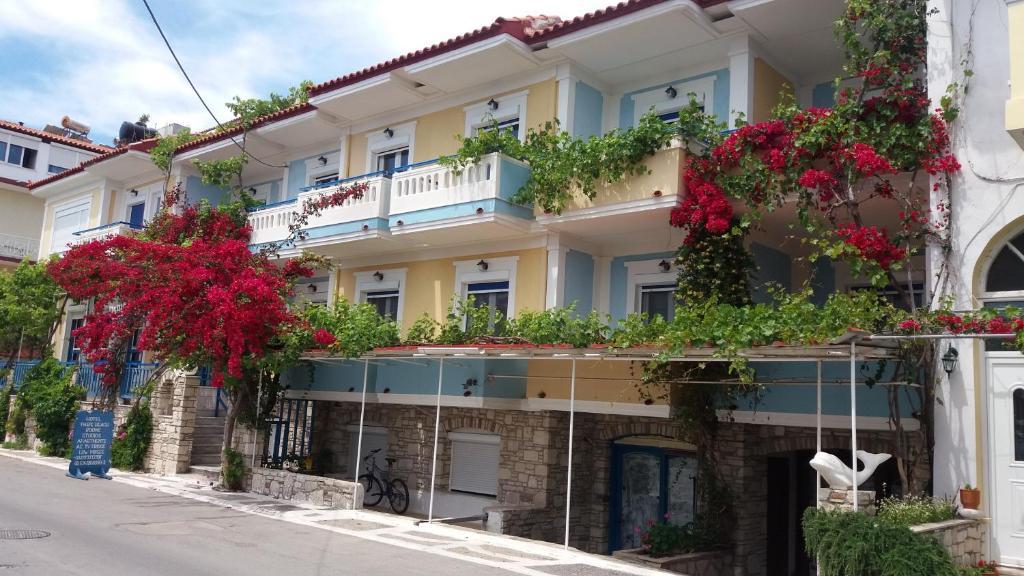 101542028 - Paris Beach Hotel