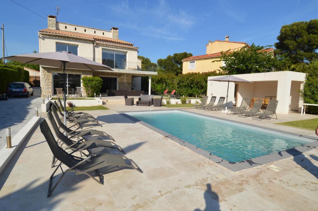 villa carry le rouet france carry le rouet. Black Bedroom Furniture Sets. Home Design Ideas