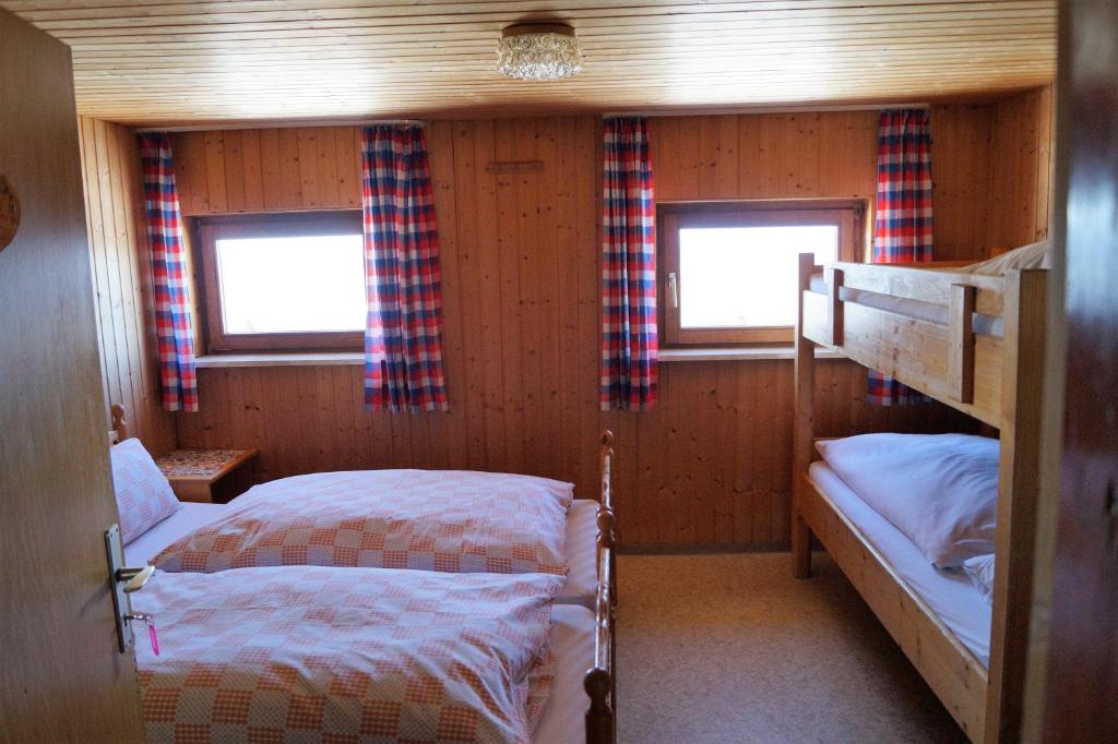 Hostel Buronhutte Deutschland Wertach Booking Com