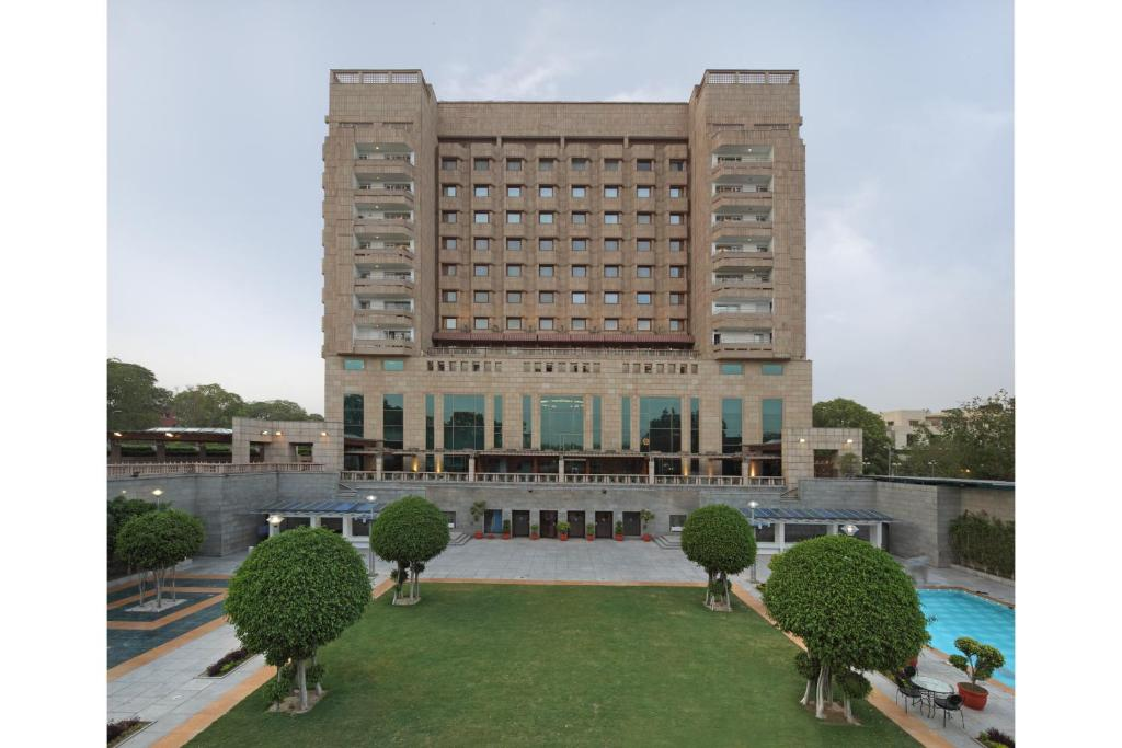 Hotel jaypee vasant continental new delhi india for Booking hotel