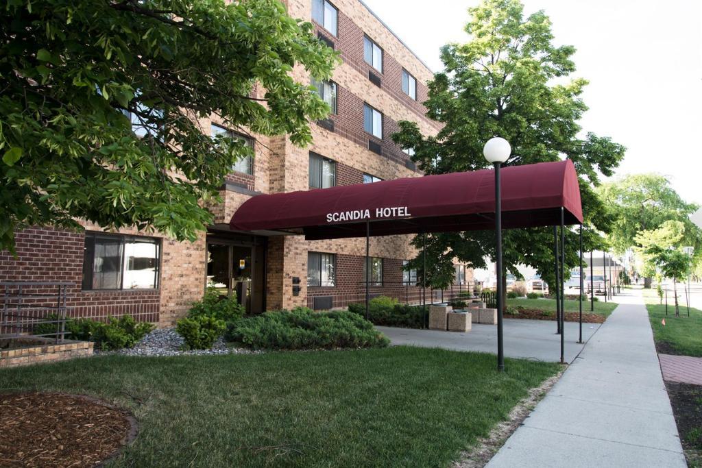 Car Rental Fargo Nd: Scandia Hotel, Fargo, ND