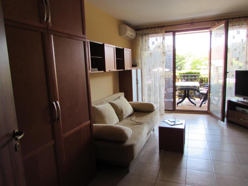Апартамент Ravda Apart Holiday Club - Равда