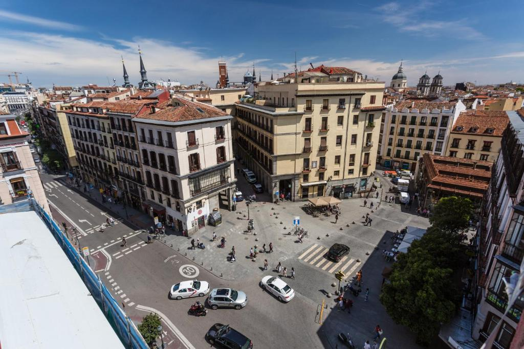 Hotel petit palace plaza mayor madrid spain for Hotel mayor madrid