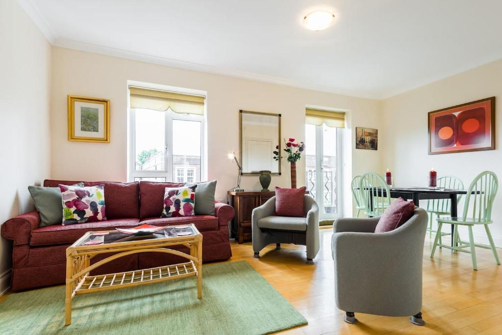3 Bed 2 Bath Apartment In The Heart Of Chelsea London Uk Bookingcom - Excellent-3-bedroom-london-apartment-in-chelsea-area