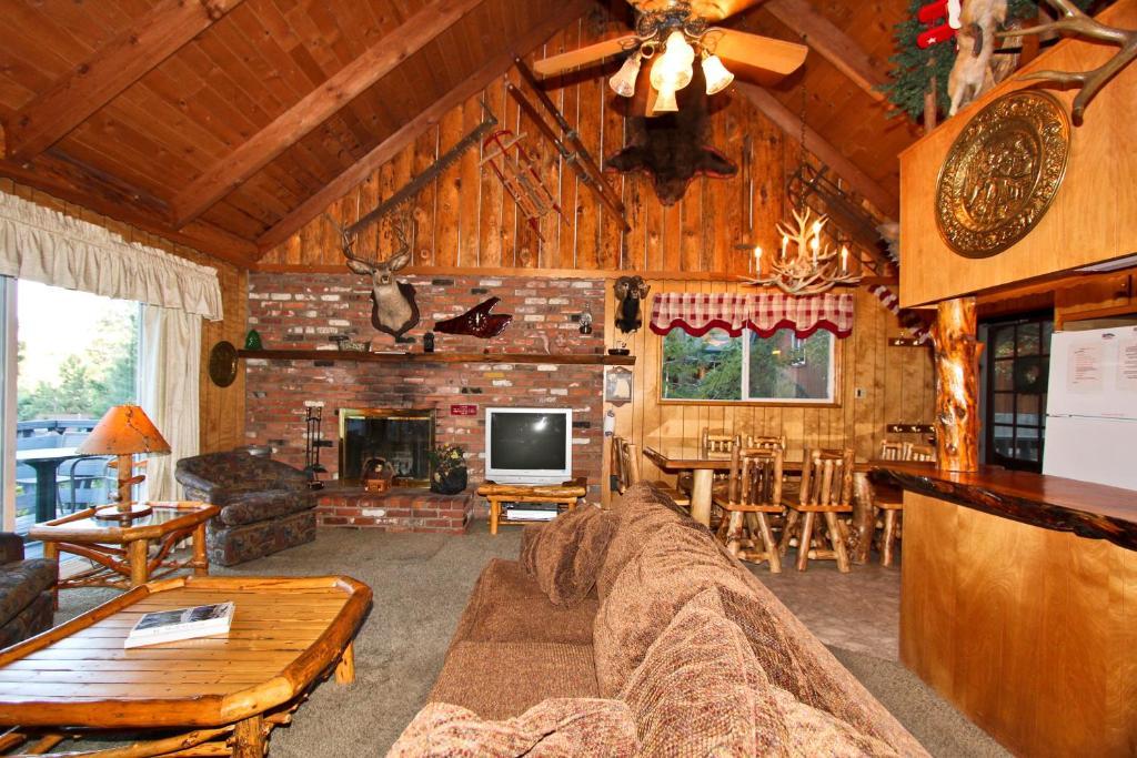 Chipmunk Lodge, Big Bear Lake, CA