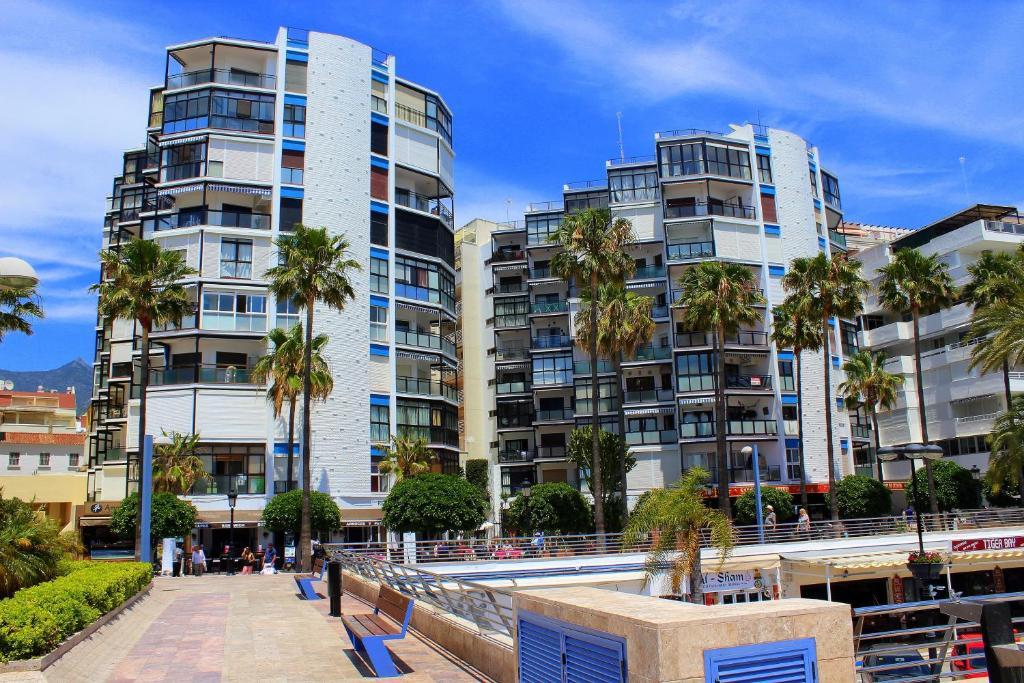 estudio a estrenar puerto deportivo marbella spain deals