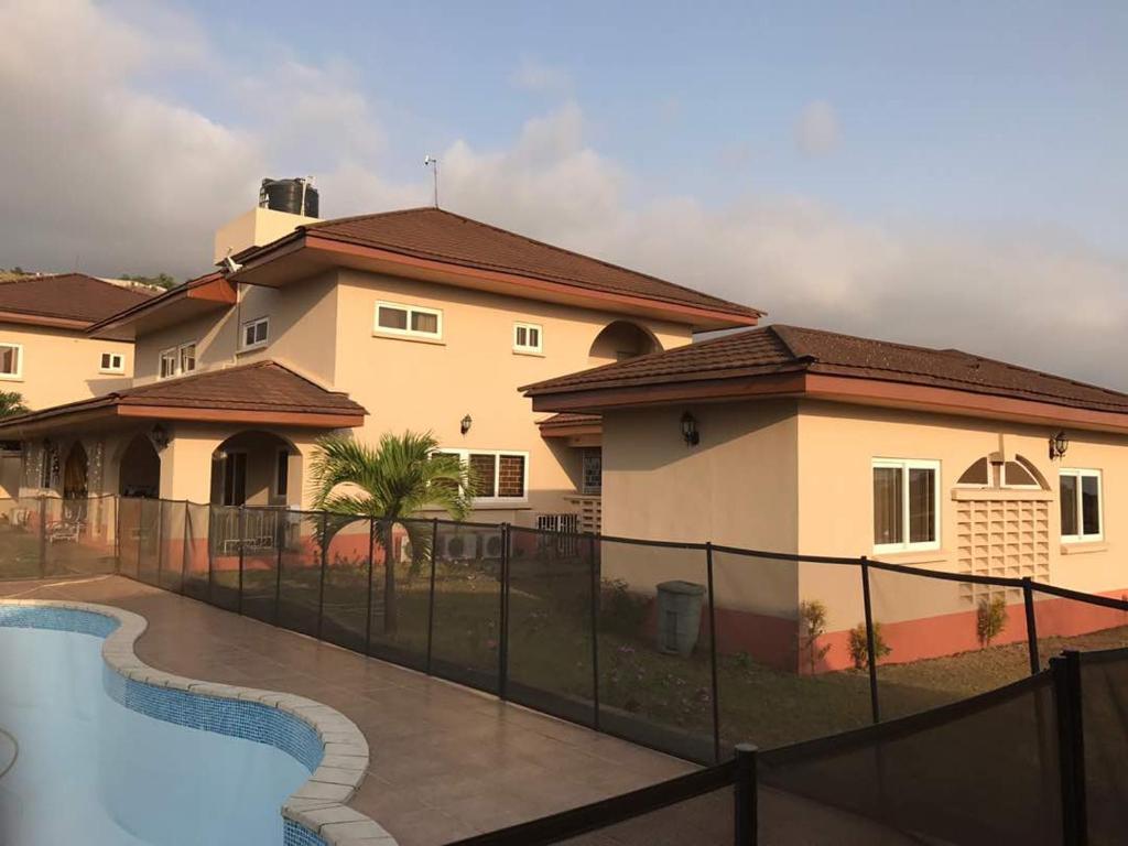 Seaview estate villas for Villas 2018