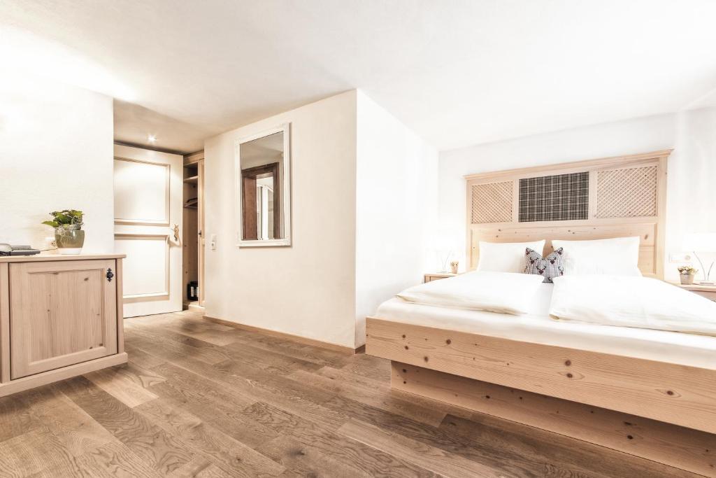Hotel Landhaus Sonne (Österreich Brand) - Booking.com