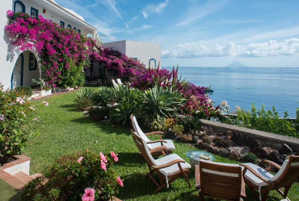 Alberghi Eolie hotel Punta Scario Salina