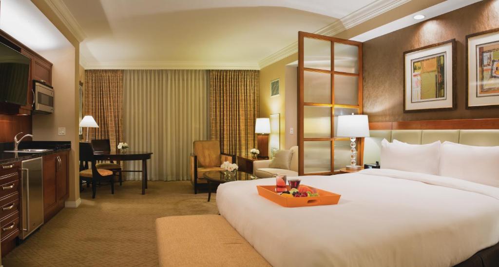Condo Hotel The Signature at MGM, Las Vegas, NV - Booking.com