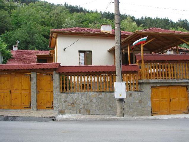 Къща за гости Лазарна светлина - Шипково