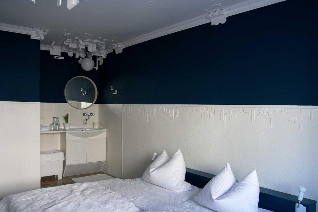 Ein Bett oder Betten in einem Zimmer der Unterkunft Hütte 91