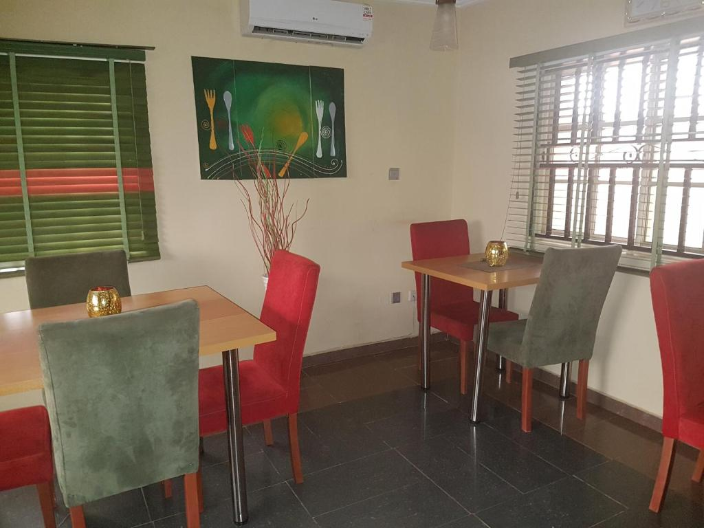 Roth Hotel & Suites (Nigeria Omole) - Booking.com