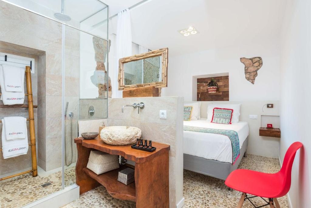 boutique hotels in santa eularia des riu  32