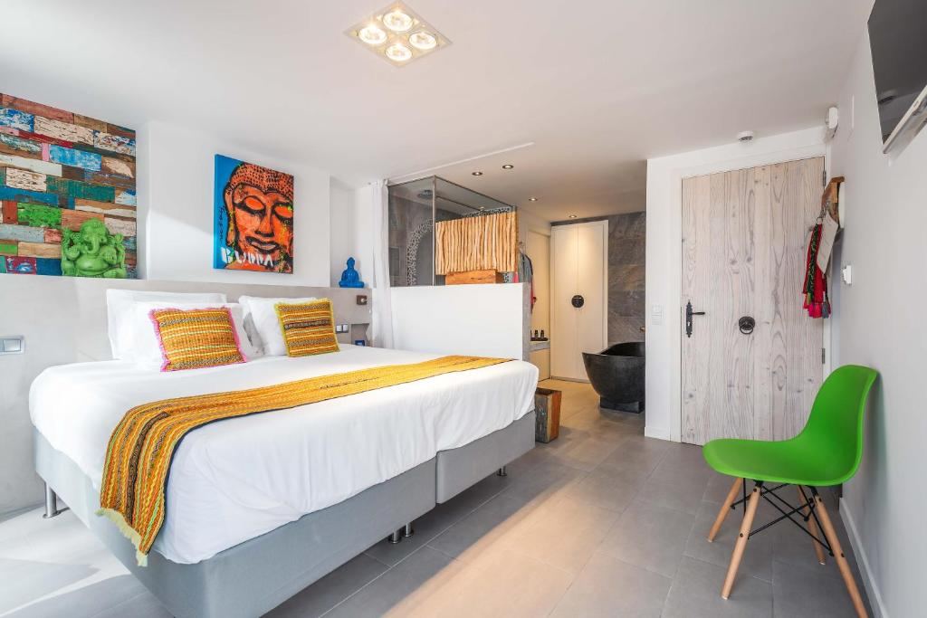 boutique hotels in santa eularia des riu  33