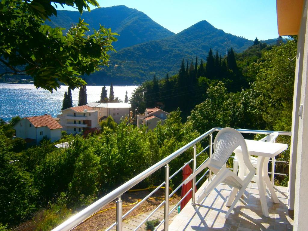 Kika Deluxe Apartment Montenegro Kamenari Booking Com