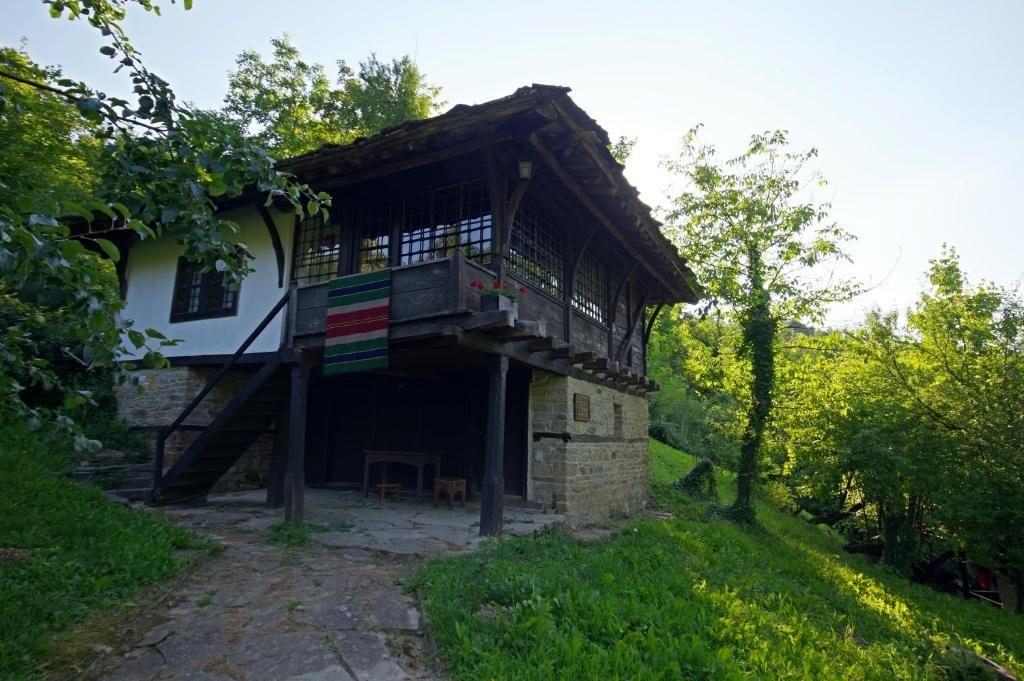 Ваканционна къща Guest house Cana Mihova - Боженци