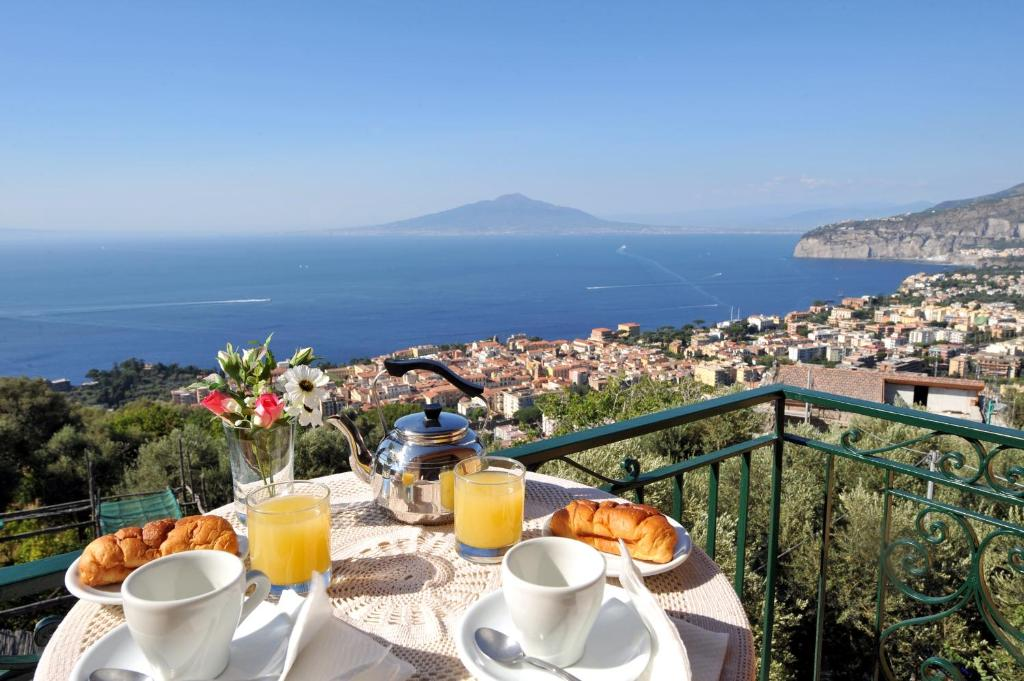 Casa Vacanze Chery, Sorrento, Italy - Booking.com