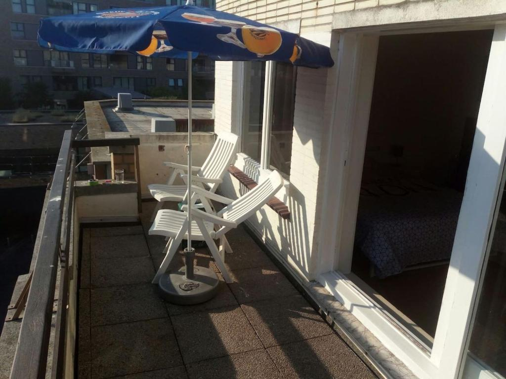 Balcon ou terrasse dans l'établissement The coolest baby penthouse in Oostende