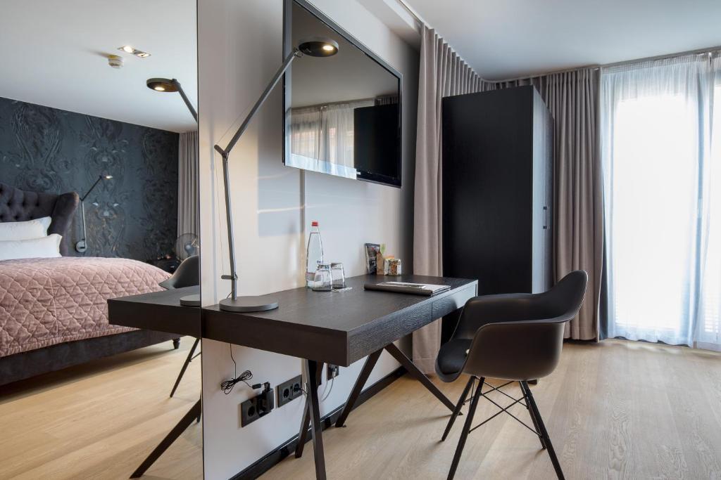 hotel la maison deutschland m nchen. Black Bedroom Furniture Sets. Home Design Ideas