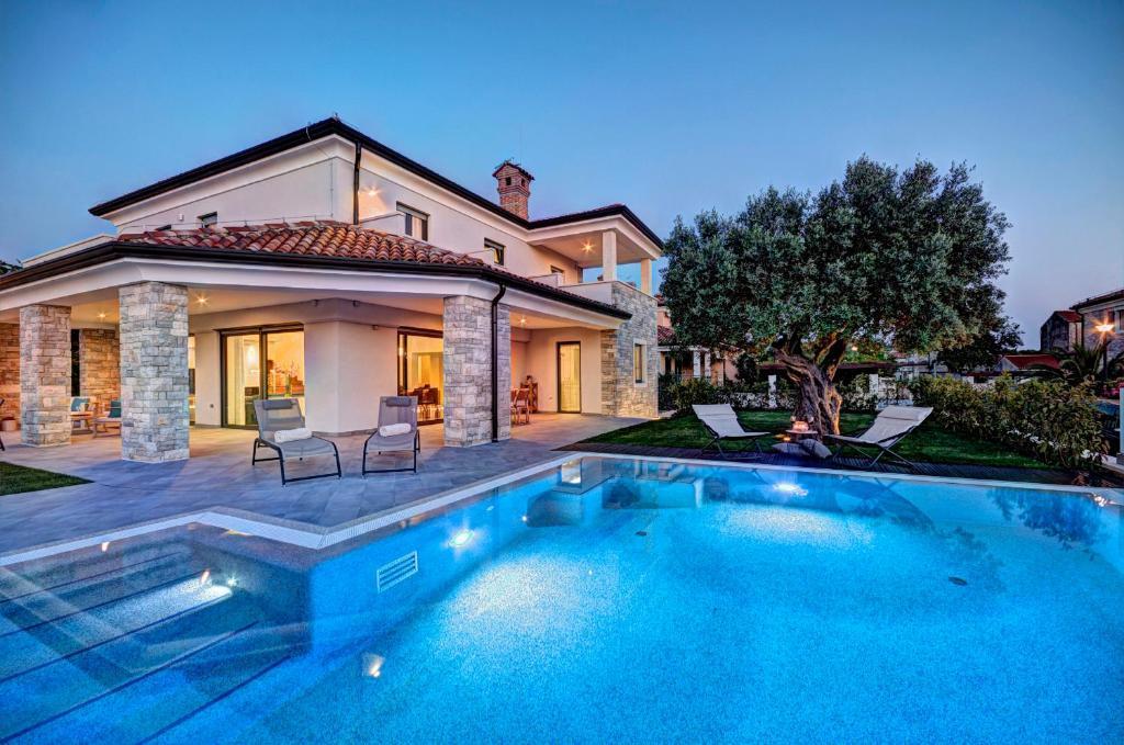Villa vista savudrija croatia for Villas vista suites