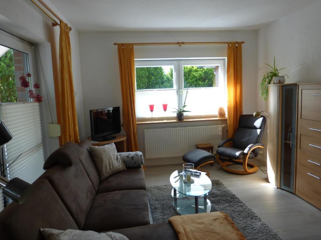 ferienwohnung sch ne wohnung am leuchtturm deutschland gr nendeich. Black Bedroom Furniture Sets. Home Design Ideas