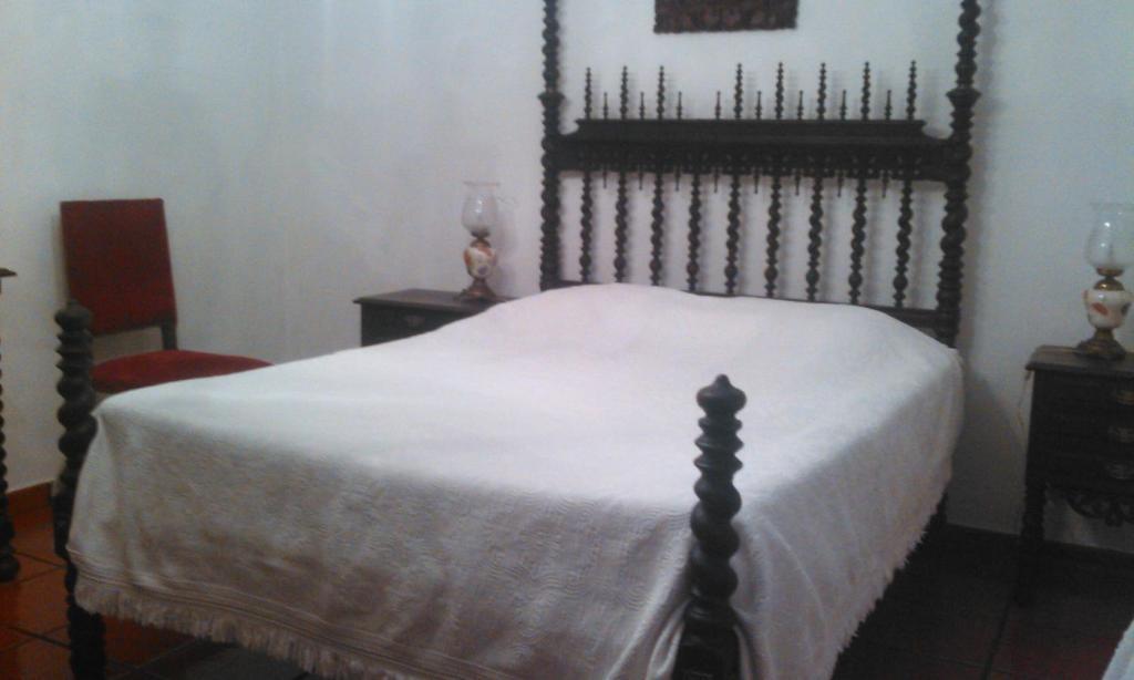 A bed or beds in a room at Alfazema