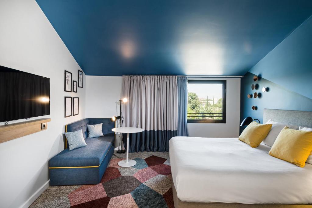 Hotel Kyriad AixEnProvence AixEnProvence France  BookingCom