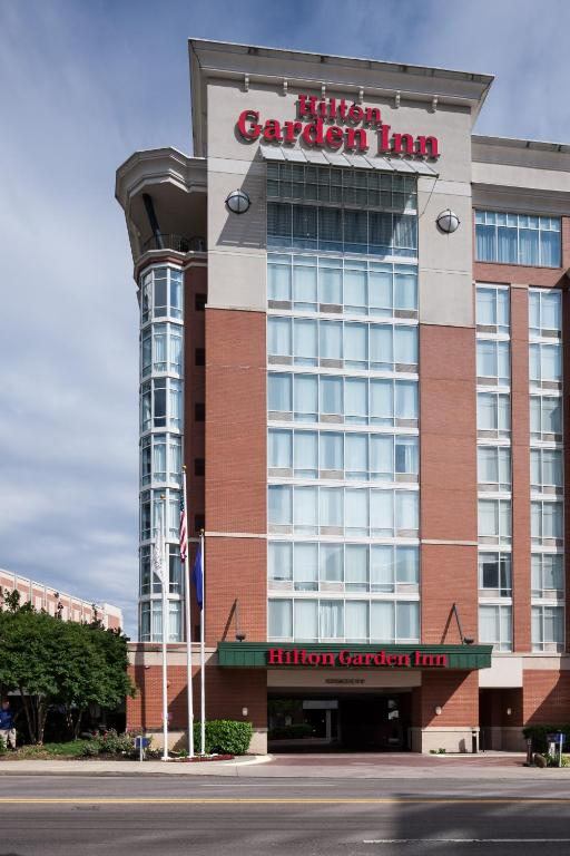 gallery image of this property - Hilton Garden Inn Vanderbilt