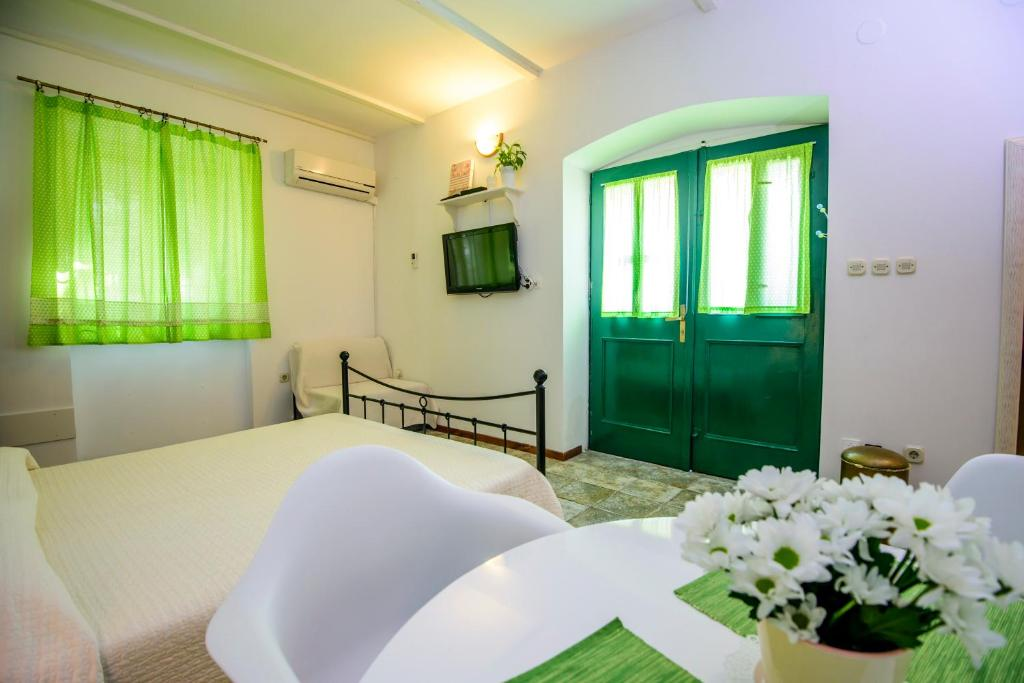 Rustica Apartments, Šibenik, Croatia - Booking.com