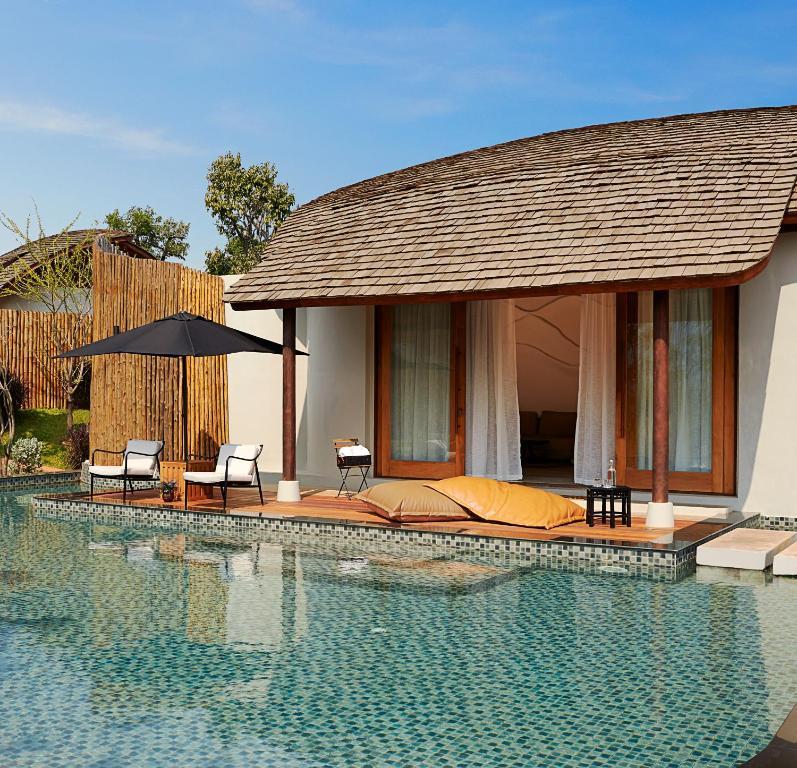 Het zwembad bij of vlak bij Boribot Pool Resort