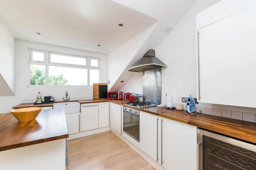 Foyer Apartments Clapham South : Apartment luxury modern bed loft conversion clapham