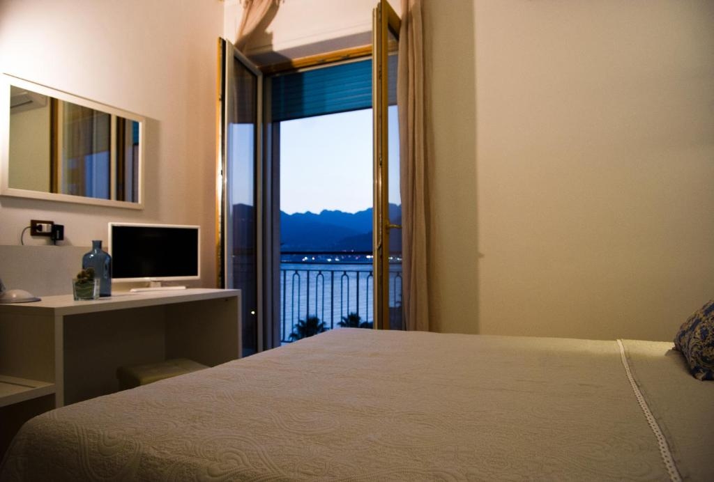 Apartment Terrazza Marconi, Salerno, Italy - Booking.com