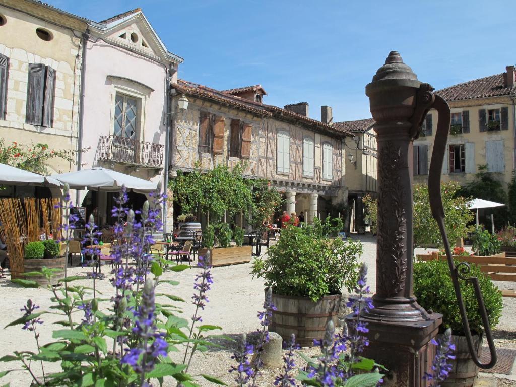 Apartments In Retjons Aquitaine