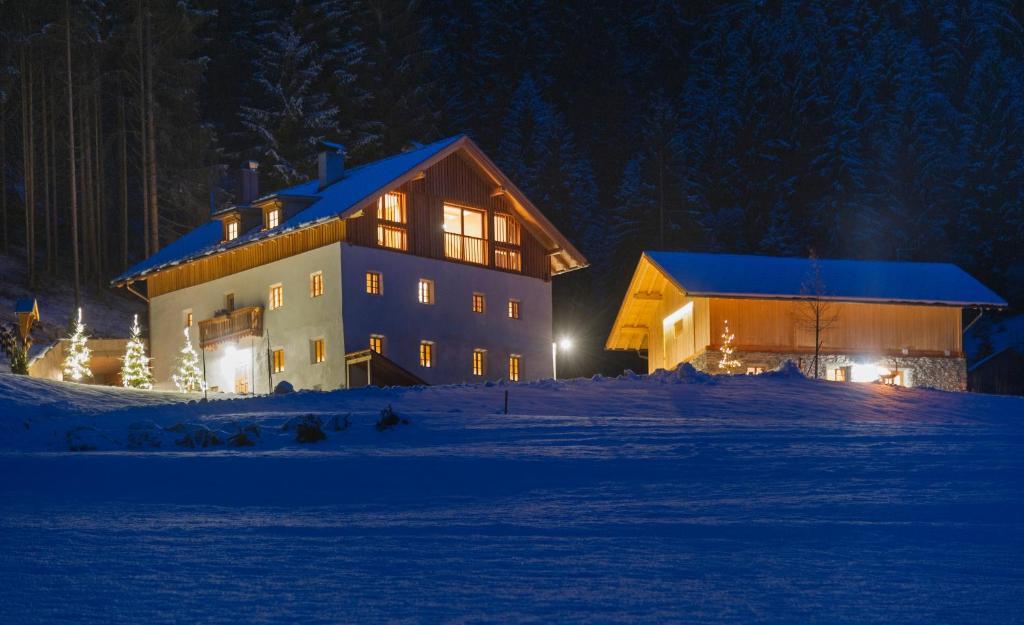 Silentium Dolomites Chalet, Monguelfo, Italy - Booking.com
