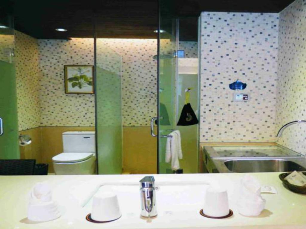 Asia Bay Resort (China Qionghai) - Booking.com