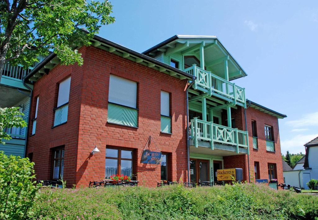 Balkon Klein Appartement : Appartement mit balkon und seeblick deutschland neuensien