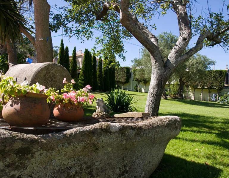 Jardín al aire libre en Hotel Mabel