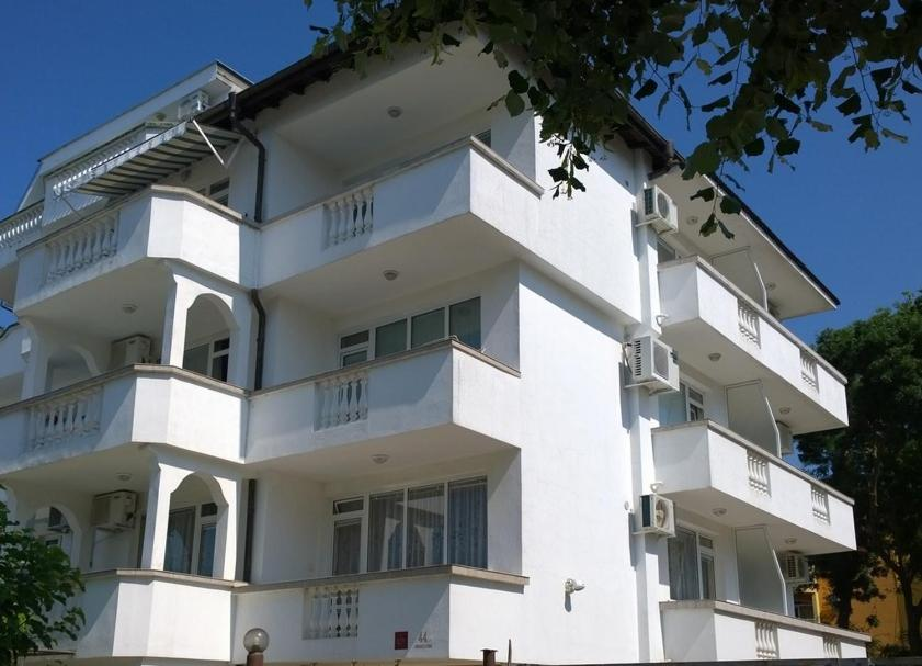 Хотел Къща за Гости Аларлиеви - Приморско