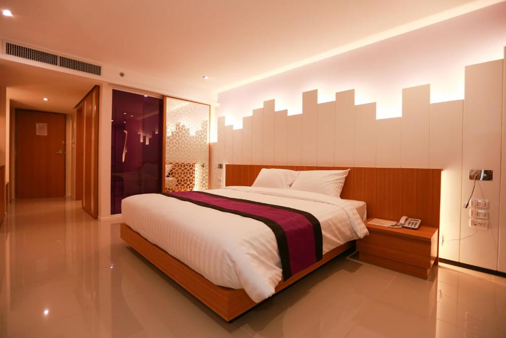 The whisper hotel pattaya central thailand for Central reservation hotel