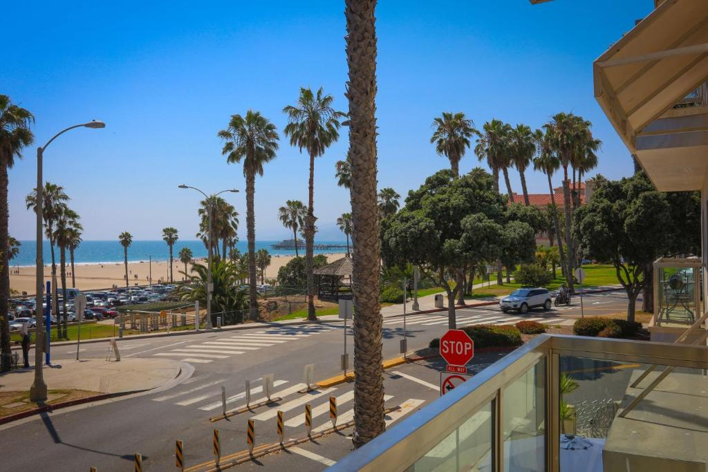 Apartments In Ocean Park California