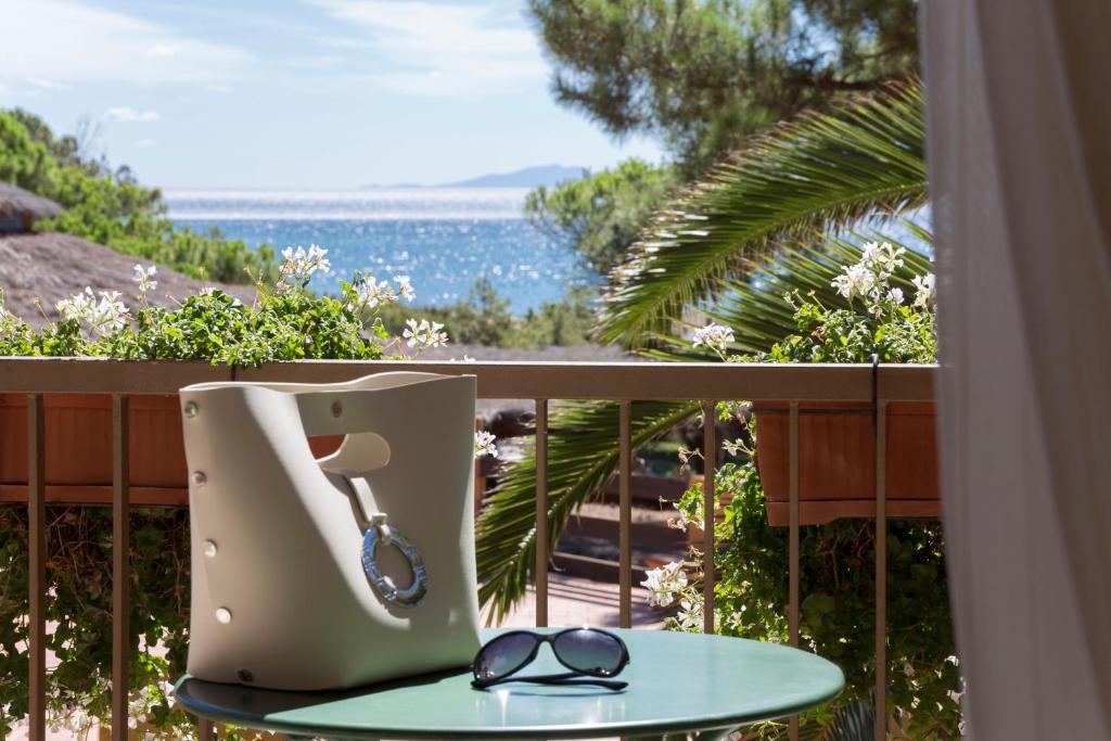 Bagno Balena Castiglione Della Pescaia Prezzi : Roccamare resort casa di ponente italia castiglione della